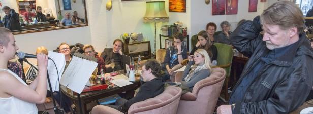 Poetryslammer-und-Akustikmusiker-Abend